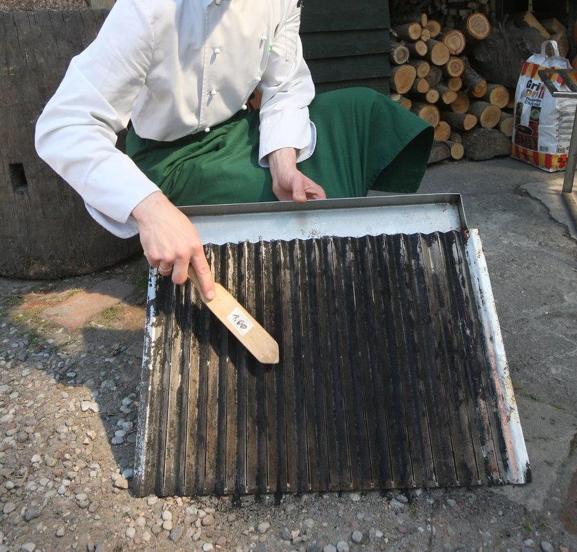 Czyszczenie grilla