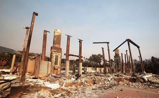 Co najmniej 42 ofiary śmiertelne pożarów w Kalifornii