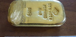 Nastolatka zatrzyma sztabkę złota