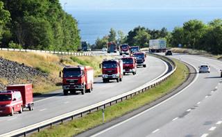 Kolejny dzień walki z żywiołem. Polscy strażacy gaszą pożary w Szwecji
