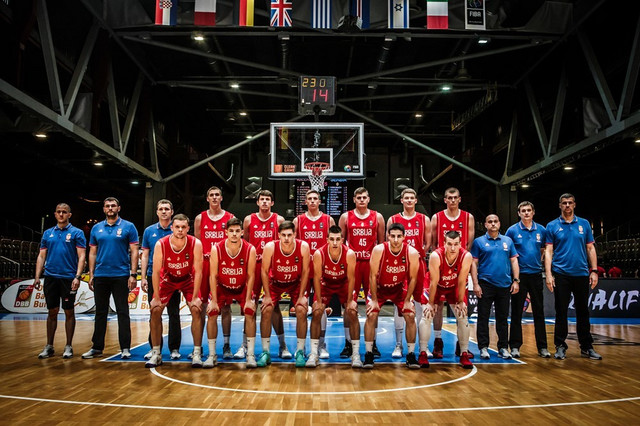 Mladi košarkaši Srbije