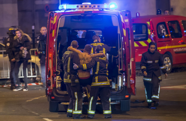 Zamachy w Paryżu. Media piszą o 18 ofiarach śmiertelnych