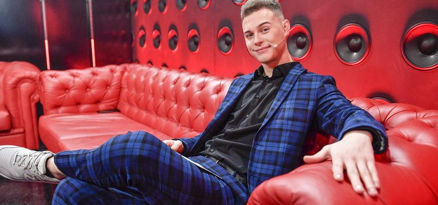 """Adam Zdrójkowski nie pojawi się w """"The Voice of Poland""""! Nie tylko on zdecydował się odejść! Kogo jeszcze zabraknie w jesiennej edycji?"""