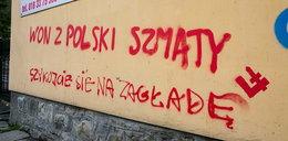 Rasistowskie hasła na domach Romów w Limanowej