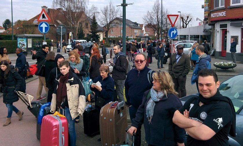 """""""Nie używaj telefonu, pozostań w domu"""": rady dla Polaków w Brukseli"""