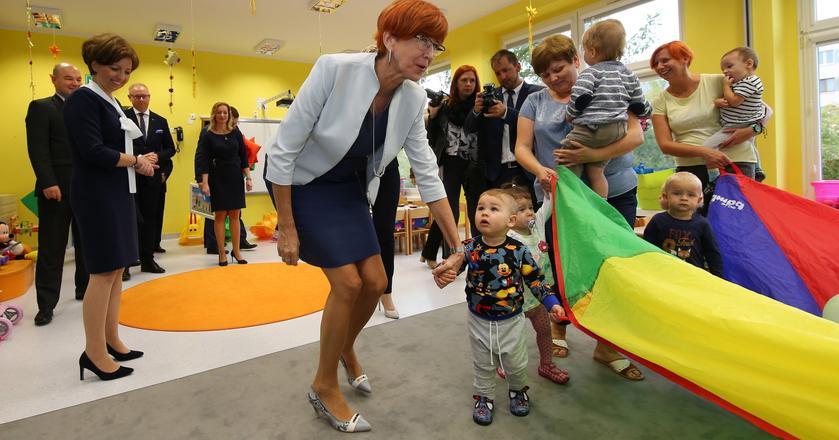 Elżbieta Rafalska podsumowała program 500 plus podczas wizyty w Ostrowie Wielkopolskim, gdzie odwiedziła m.in. samorządowy żłobek