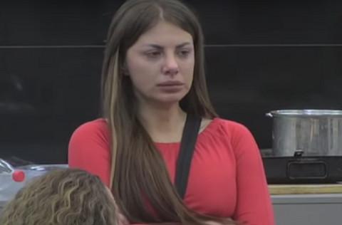 """U """"Zadruzi"""" se ugojila 20 kilograma: Dragana Mitar se sada uvukla u kratku, crvenu haljinu, evo kako izgleda! VIDEO"""