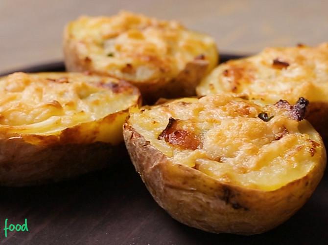 Krompir je povrće koje svi obožavaju, a još zapečen i punjen predstavlja pravi užitak za sva čula!