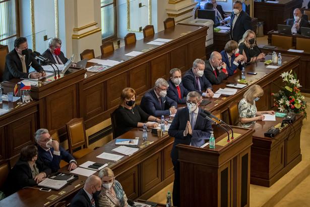 Gabinet Babisza już trzeci raz obronił się przed wotum nieufności w Izbie Poselskiej
