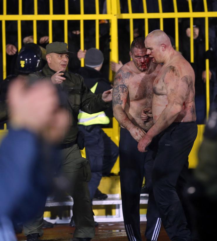 Huligani iz Hrvatske napravili haos na stadionu Partizana