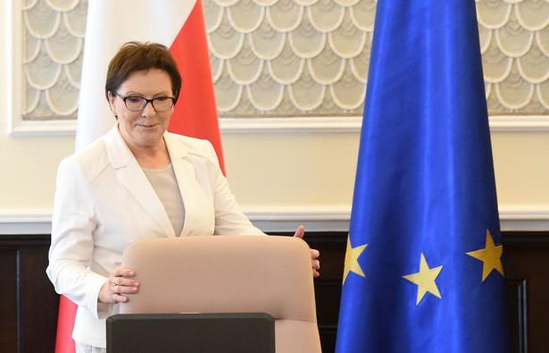 Premier Ewa Kopacz przed posiedzeniem rządu