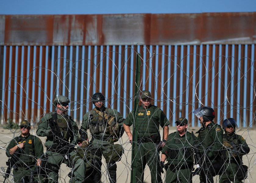 Bitwa z migrantami na granicy USA