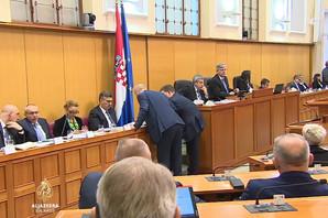 """(VIDEO) DAN POSLE SKANDALA U HRVATSKOM SABORU Plenković nasrnuo na poslanika jer ga je nazvao """"ANEMIČNIM"""""""