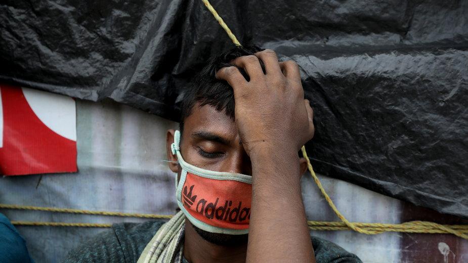 Pandemia w Indiach wciąż przybiera na sile
