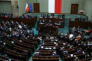 Konfederacja liczy na pomoc KO i ziobrystów, by postawić premiera przed trybunałem