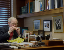Warren Buffett nie kryje się ze swoimi zwyczajami żywieniowymi. Przyznaje, że je jak 6-latek