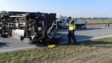 Zderzenie trzech samochodów na S8. Ranni trafili do szpitala