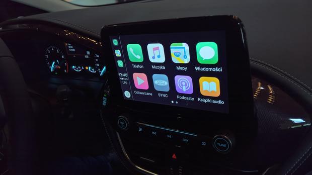 W nowym zestawie multimedialnym można skorzystać m.in. z funkcji CarPlay