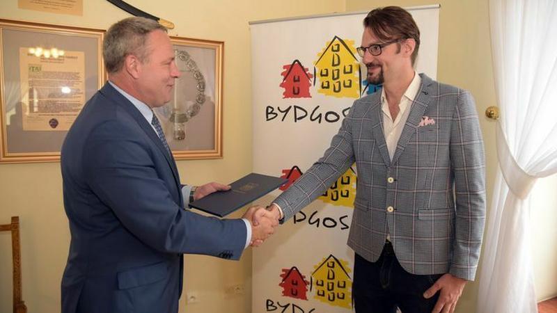 Prezydent Bydgoszczy Rafał Bruski (z lewej) i Łukasz Gajdzis