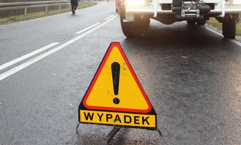 W Białymstoku doszło do zderzenia dwóch aut. Kobieta została zakleszczona