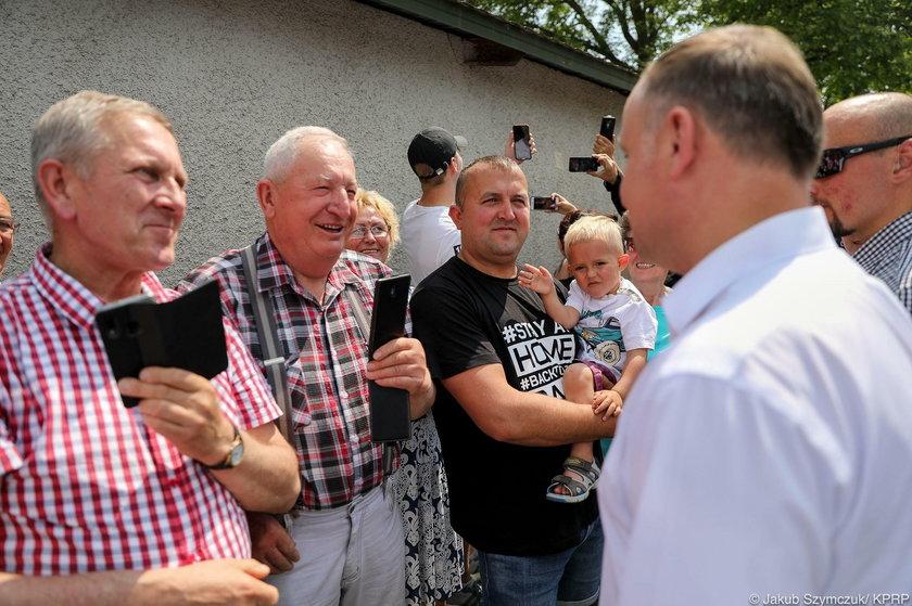 Prezydent Andrzej Duda u Bardowskich. Skrytykowali ich za strój