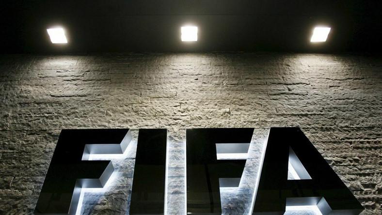 FIFA zawiesza gotowych sprzedać mundial