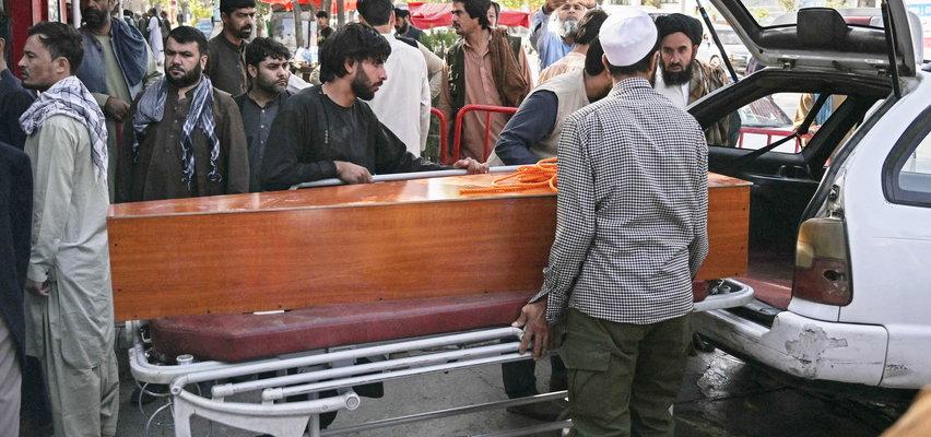 Zamach w Kabulu: dziewczynka zmarła na rękach tłumacza