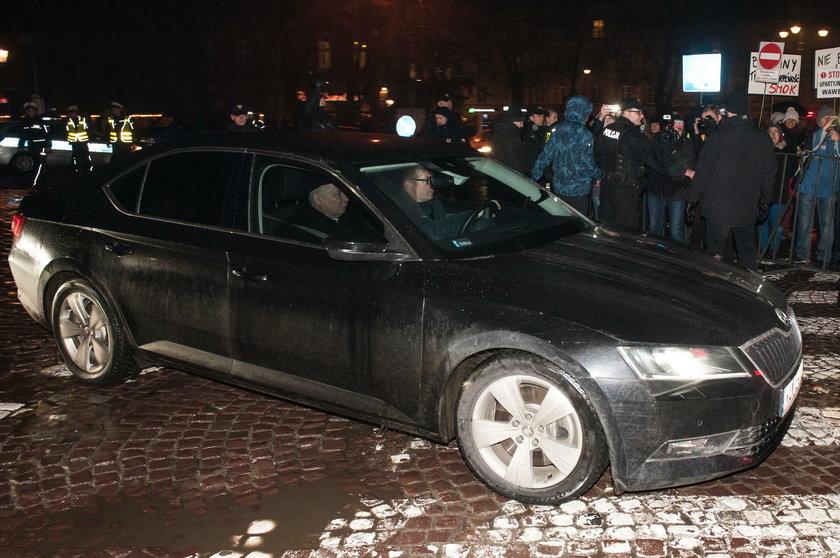 Skazany za protest podczas miesięcznicy smoleńskiej chce ułaskawienia od Dudy