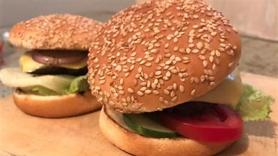 How about a Beef Burger? Easy home recipe for juicy burgers