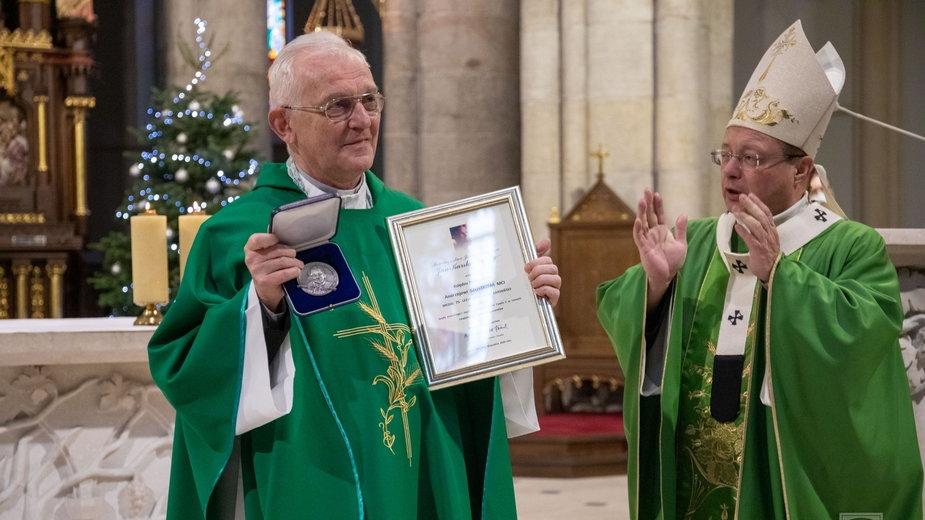 Medal Karskiego dla ks. prof. Andrzeja Szostka