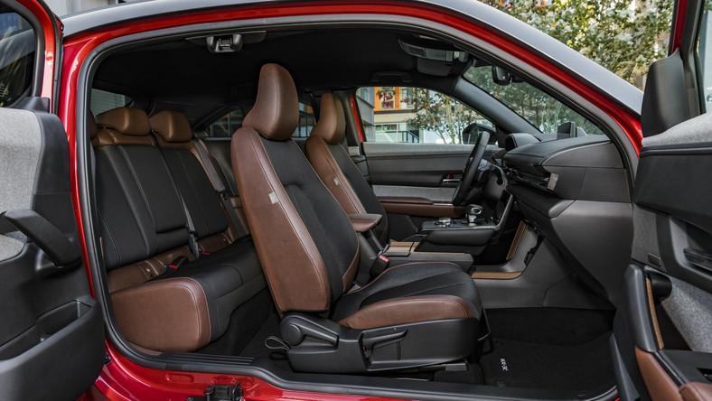 Wyższe dofinansowanie do samochodów elektrycznych przewidziano dla posiadaczy Karty Dużej Rodziny