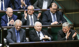 Wszyscy ludzie Kaczyńskiego: Teraz oni rządzą i dzielą. Skąd się wzięli w rządzie PiS?
