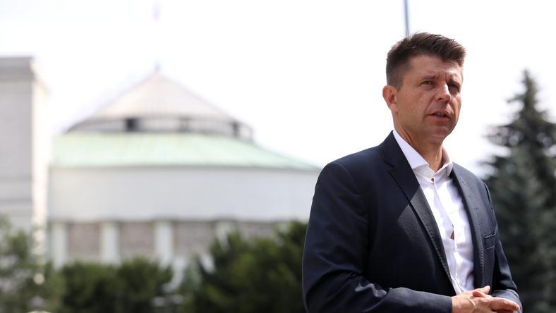 Lider Nowoczesnej Ryszard Petru przed Sejmem