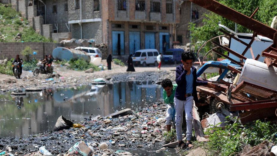 Koronawirus szczególnie niszczy głównie kraje Afryki i Bliskiego Wschodu, doprowadzając wielu ludzi do skrajnego ubóstwa