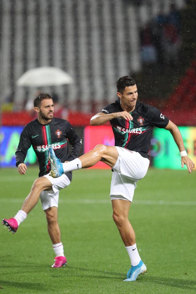 Ronaldo na zagrevanju pred meč sa Srbijom