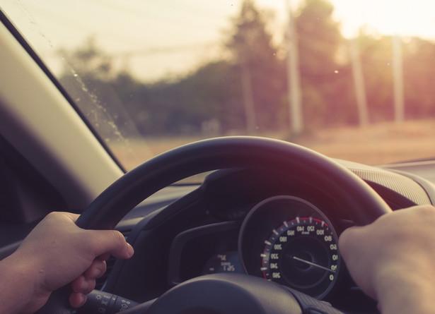 Planujemy, że rząd przyjmie pakiet deregulacyjny umożliwiający wprowadzenie e-prawa jazdy jeszcze we wrześniu; da to szansę na wprowadzenie e-prawa jazdy na przełomie roku - powiedział PAP Minister Cyfryzacji Marek Zagórski.