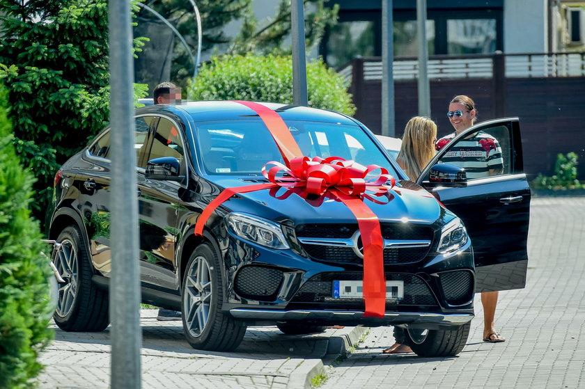 Radosław Majdan, Małgorzata Rozenek, mercedes, samochód, prezent