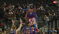 MINI-DŽORDAN Upoznajte NAJNIŽEG košarkaša na svetu: Ima svega 1,35m, a zakucava i lomi protivnike (VIDEO)