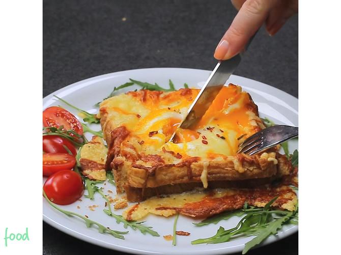Tost sa jajima i sirom: DESET MINUTA vas deli do SAVRŠENOG doručka!