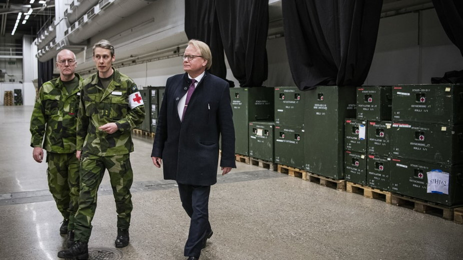 Szwedzki minister obrony  Peter Hultqvist (z prawej)