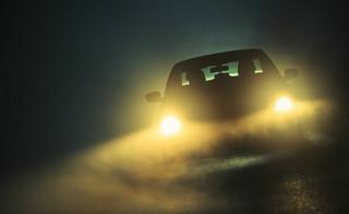 Kierowcy boją się epidemii, a jak szaleni pędzą po śmierć