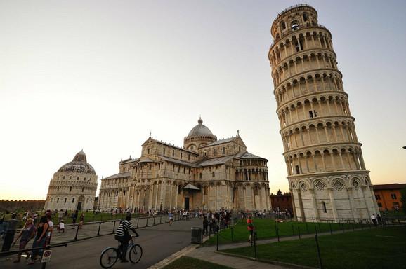 Na meti terorista koji imaju mali problem sa geografijom: Krivi toranj u Pizi