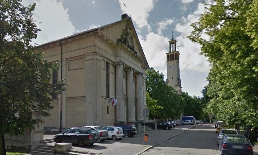 Kościelne dzwony biły za głośno. Księża dostali mandat