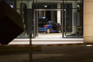 Niemcy: Auto staranowało wejście do centrali SPD w Berlinie
