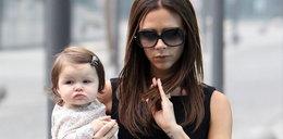 Beckhamowa z córką w Chinach. Ale się wylaszczyła!