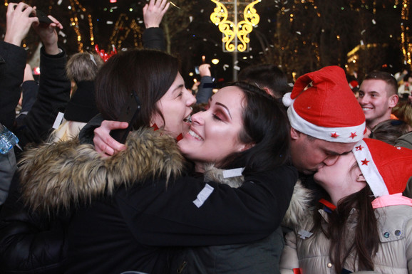 Na ulicama i Beograđani i turisti