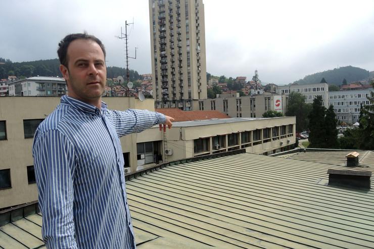 uzice pozoriste ukradeno 200 kvadrata pokrivke nemanja rankovic_220616_Ras foto Milos Cvetkovic 001