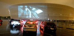 Kino na stadionie! Oglądaj hity z samochodu