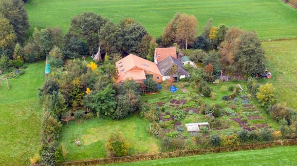 Farma na kojoj su držani Van Dorstenovi