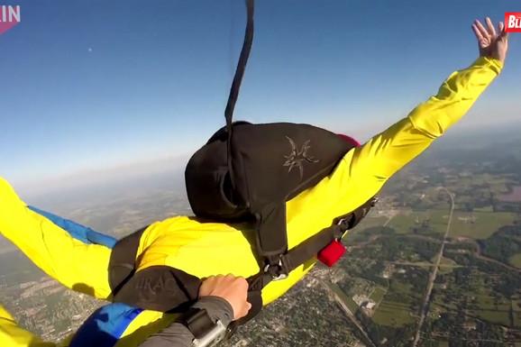 Snimak od kog zastaje dah: Loše otvaranje padobrana, pogled u smrt i NEOČEKIVAN SPAS (VIDEO)
